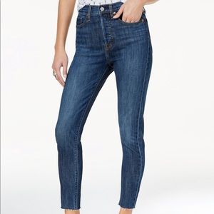 Levi's 501 — button fly Wedgie Jean